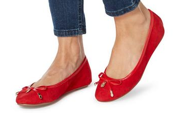 red pumps dune