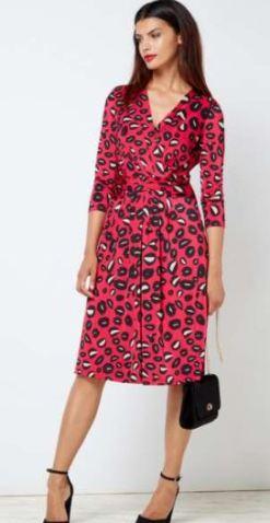 Issa pink dress model