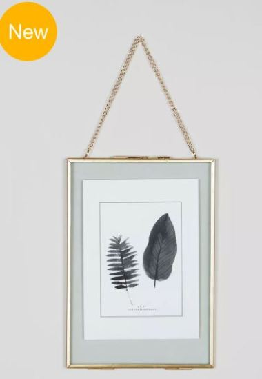 medium hanging frame